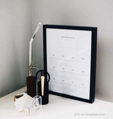 calendar_bnw
